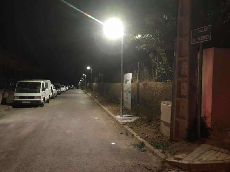 Iluminación en calles de Gilet.