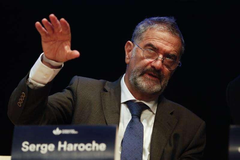 El premio Nobel de Física 2012, Serge Haroche, durante una conferencia. EFE/Archivo