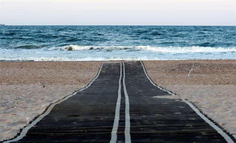 La playa de El Saler en una imagen de archivo. EFE/ Juan Carlos Cárdenas