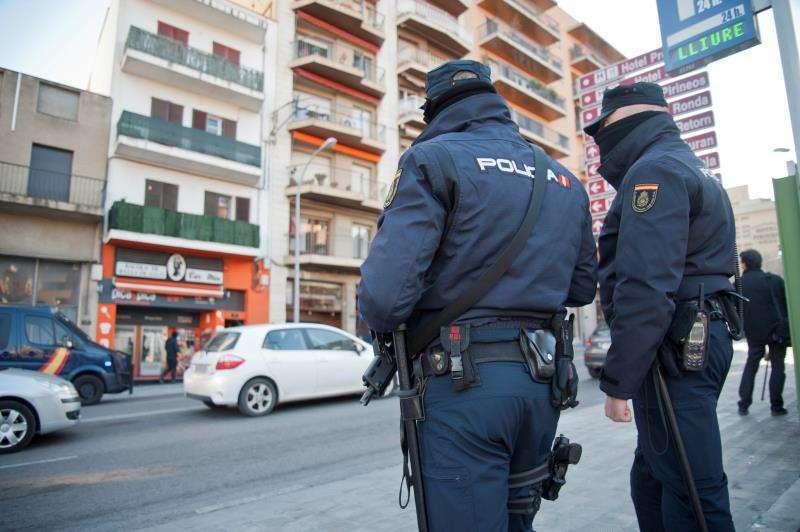 Dos agentes de la Policía Nacional. Archivo/EPDA