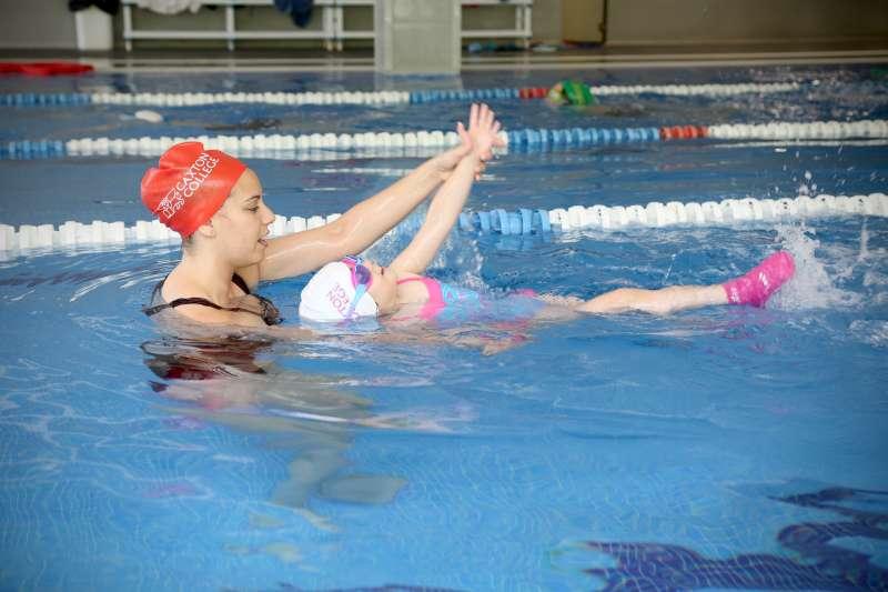 La Natación es una de las actividades que se puede practicar en los sábados deportivos de Caxton College. / EPDA