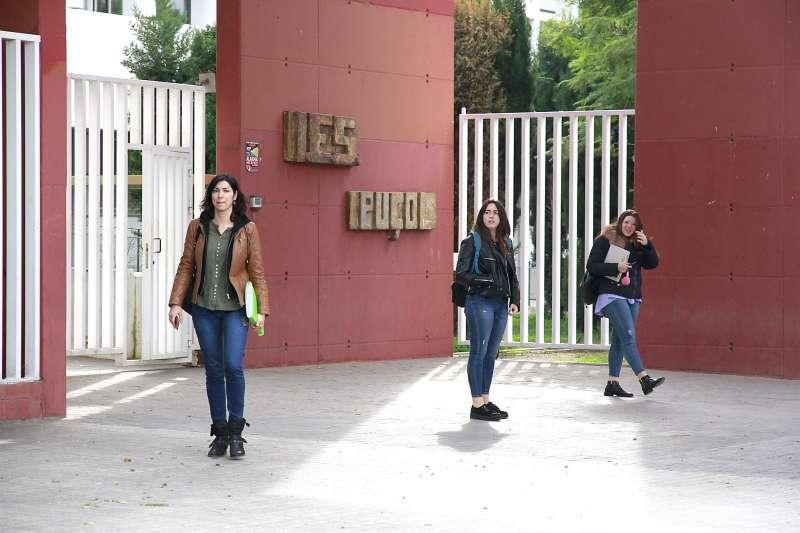 Talleres en el instituto de Puçol. EPDA