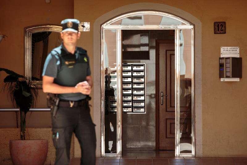 La Guardia Civil en el lugar de los hechos. EFE