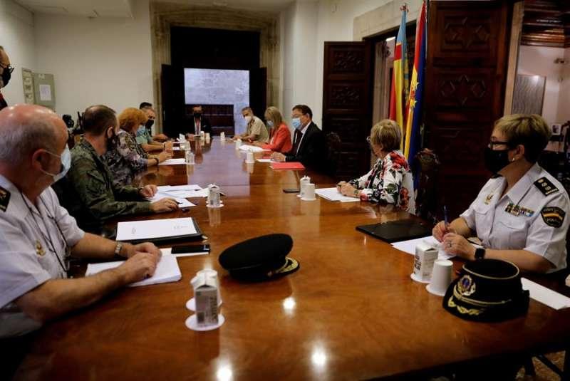 El president de la Generalitat, Ximo Puig, preside una reunión del Centro de Coordinación Operativa Integrada. EFE
