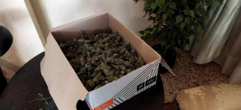 Fotografía de la droga intervenida facilitada por la Policía Nacional. EFE