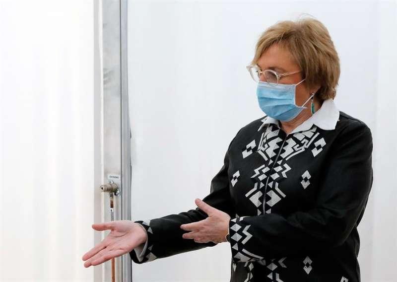 La consellera de Sanidad, Ana Barceló , visita las instalaciones del hospital de campaña que se ha construido junto al Hospital La Fe de Valencia y que albergará cerca de 600 camas.  EFE/ Juan Carlos Cárdenas