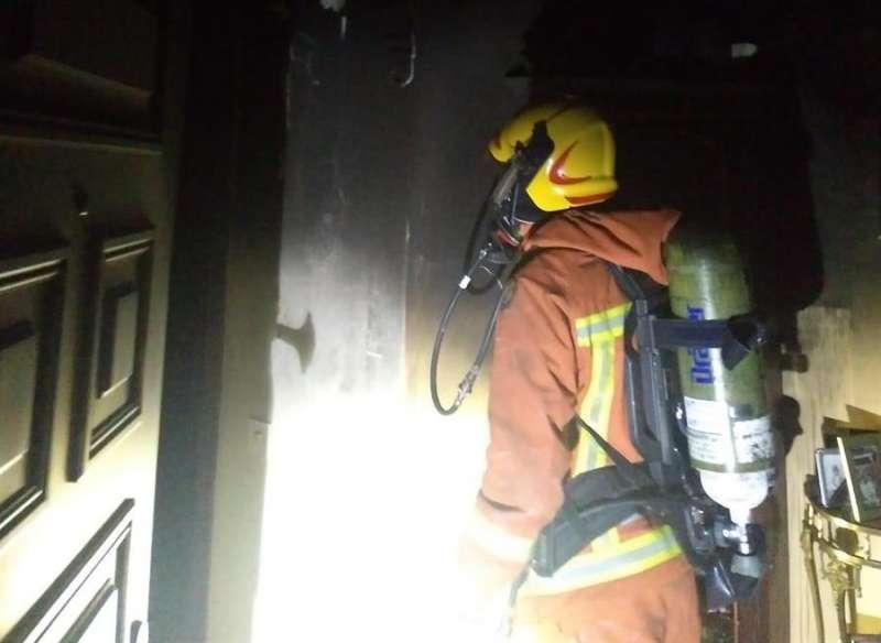 Imagen del incendio de la vivienda de Beniparrell facilitada por el Consorcio provincial de Bombero