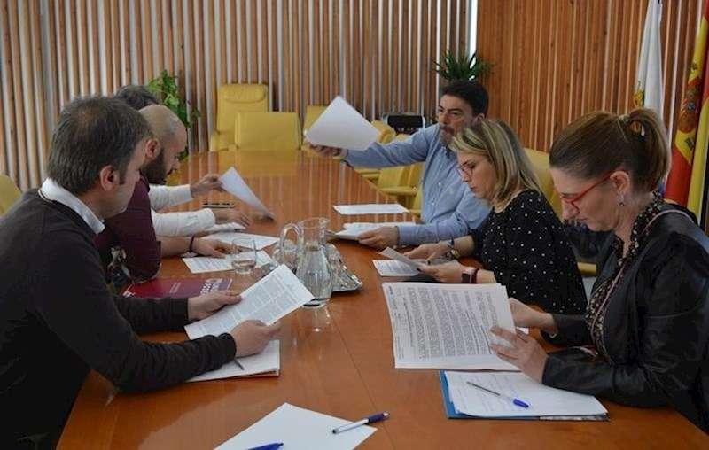 El equipo de Gobierno municipal de Alicante, reunido en gabinete de crisis por el coronavirus.