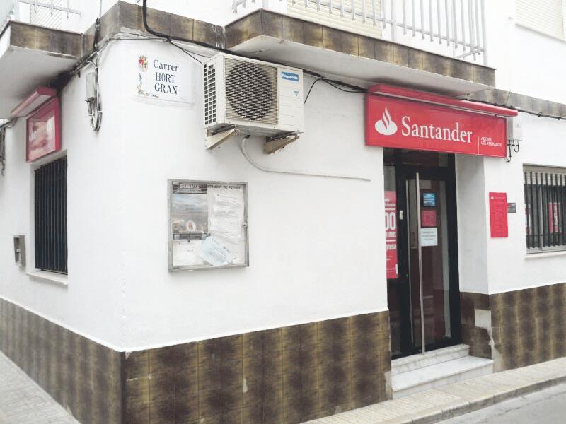 Donde antes había un Bancaja, ahora hay un Santander. FOTO EPDA