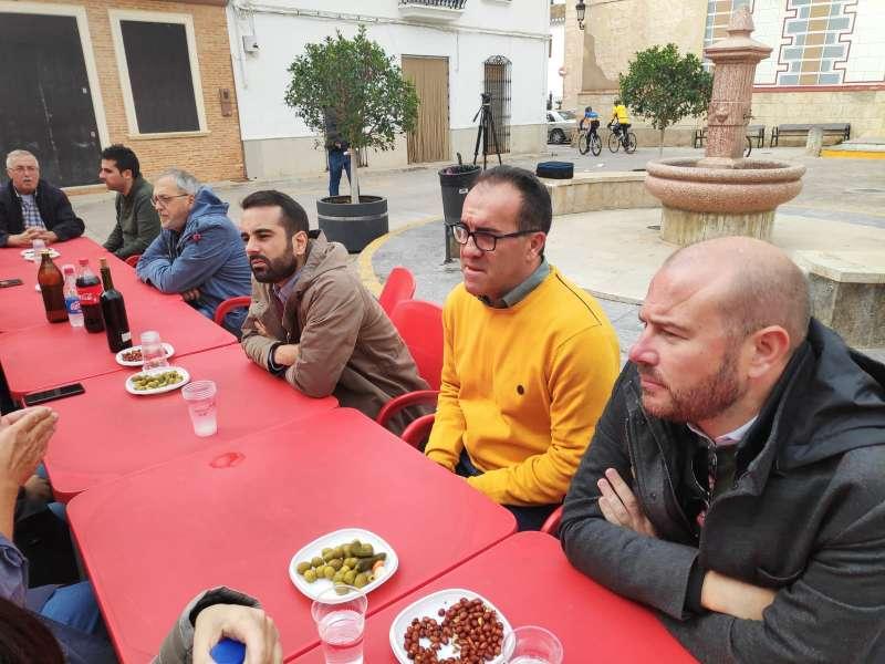 Muñoz, Herrera y Gaspar en el almuerzo socialista. EPDA