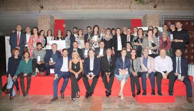 Foto familia de los premiados