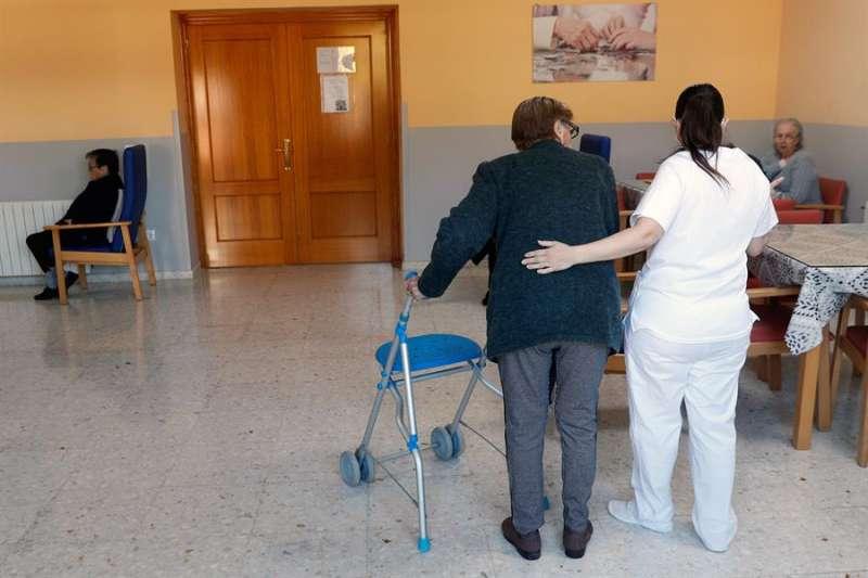 Usuarios de la Residencia Casa Retiro El Salvador, en Torrent (Valencia). EFE