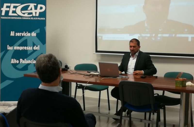 El director general de El Periódico de Aquí, Pere Valenciano, cerró las intervenciones